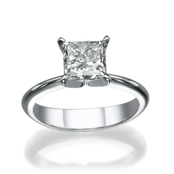 Bild von 1.50 Gesamtkarat Solitär-Verlobungsring mit Princessdiamant